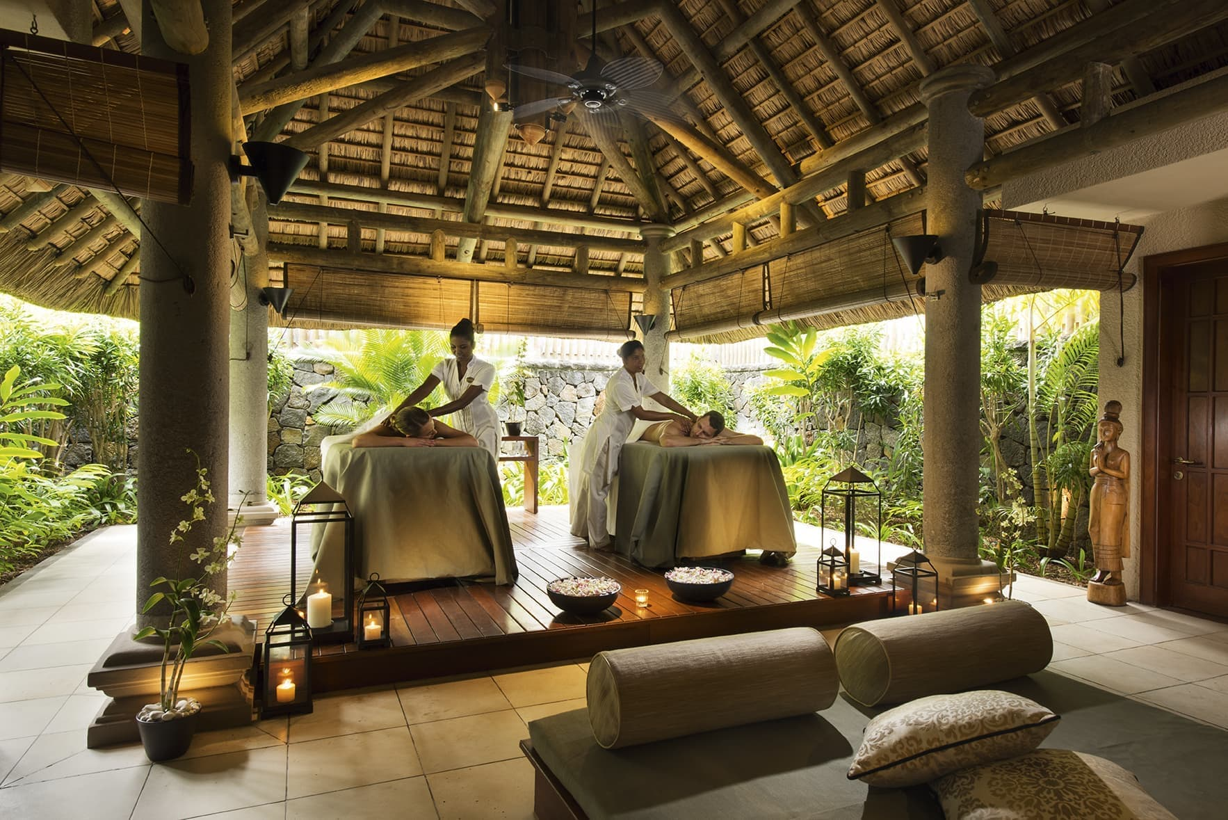 Couple massage at Constance Prince Maurice